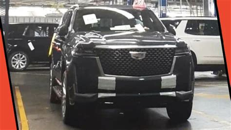 The 2021 Cadillac Escalade Is Mercifully Inoffensive Looking