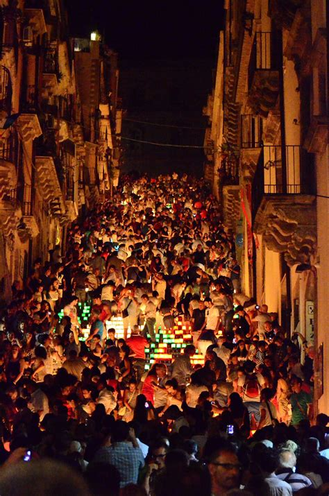A Year of Festivals, Holidays, and Special Events in Italy