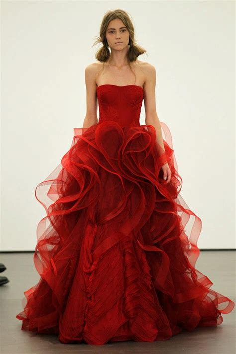Vera Wang Spring 2013 Collection is Red Hot  Munaluchi Bride