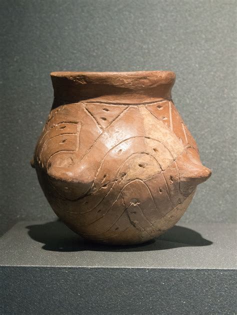 Soubor:Vessel of the Neolithic Linear Pottery culture