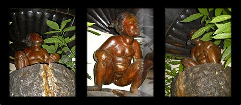 The little peeing girl | Everybody knows Manneken Pis (the